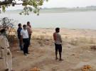 विश्वलाई द्रवित बनाएका गंगा नदीमा तैरिएका शव